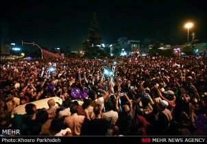 Jubel in der Hauptstadt Teheran nach der Bekanntgabe der Wahlergebnisse am 15. Juni 2013