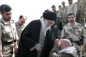 Revolutionsführer und Oberbefehlshaber der Streitkräfte Ali Khamenei zu Besuch bei Revolutionsgardisten
