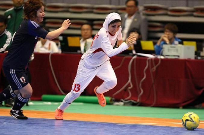 Iranische Frauen haben bei den Asienmeisterschaften im Hallenfußball den zweiten Platz belegt. Den ersten Platz errangen die Japanerinnen.