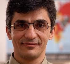 Reza Moini, Mitarbeiter der ROG, kämpft seit Jahren von Paris aus für die Pressefreiheit im Iran