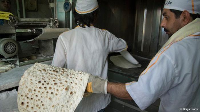 """Lawash"""" gilt als eine der traditionellen Brotsorten des Iran. Doch gibt es diese Brotsorte auch in der Republik Armenien. Nach Informationen eines iranischen Parlamentariers beabsichtigt die armenische Regierung """"Lawash"""" als Kulturerbe Armeniens in die Liste der UNESCO einzutragen. Diese Nachricht löste in der persischsprachigen Internetgemeinde eine Protestwelle aus."""