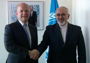 Irans Außenminister Mohmmad Javad Sarif und sein britischer Amtskollege William Hague - Foto: www.yjc.ir