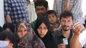 2,4 bis drei Millionen Afghanen leben im Iran. 1,4 bis zwei Millionen haben nach Angaben der Behörden eine Aufenthaltserlaubnis!