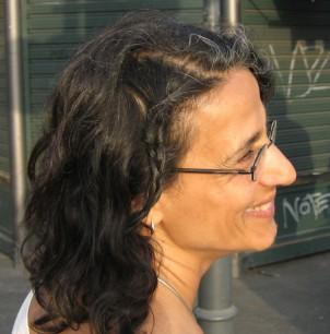 """Saideh Saadat lebt seit 30 Jahren in Deutschland und arbeitet für die """"Antidiskriminierungs- und Antigewaltbereich der Lesbenberatung Berlin e. V."""", LesMigras"""
