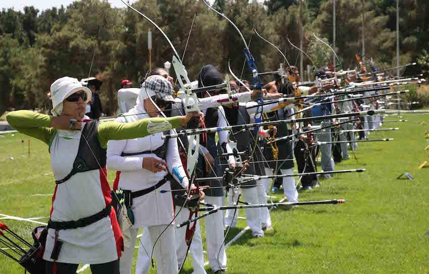 Die Saison der iranischen ersten Liga des Bogenschießens der Frauen mit dem Recurvebogen ist mit dem Sieg des Vereins Petro Kimigar Rad zuende gegangen. Die Schützinnen der Teams Arman und Shahrdari Bandar-Abbas belegten den zweiten und dritten Platz. Das Bogenschießen hat im Iran eine lange Tradition und gewinnt als Frauen-Sport immer mehr an Beliebtheit.