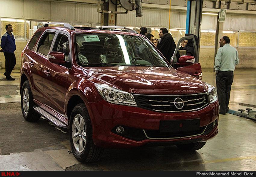 Iran Khodro (IKCO), Irans größter Automobilhersteller, hat die Produktion von Haima S7 gestartet. Nach Eghtesad News wird 40 Prozent der Teile der chinesischen Geländelimousine (SUV) vor Ort produziert. IKCO will jährlich 20.000 Autos dieses Modells herstellen. Das S7 hat Vorderradantrieb und einen zwei-liter-Motor, verbraucht mehr als 8 Liter pro 100 km und wird mit manuellem oder automatischem Getriebe angeboten.