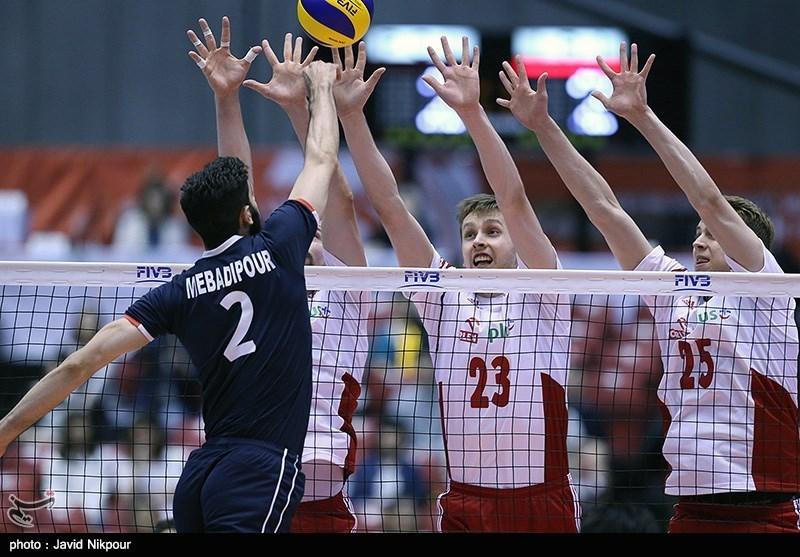 Die iranischen Volleyball-Herren haben sich für die kommenden olympischen Spiele in Rio de Janeiro qualifiziert. Das letzte Qualifikationsspiel gegen die polnische Nationalmannschaft endete mit einem 3:1 Sieg für die Iraner. Die deutschen Volleyballer hingegen konnten sich nach der Niederlage gegen das russische Team nicht für Olympia qualifizieren.