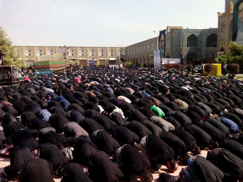 Am 27. Mai hat der islamische Fastenmonat Ramadan begonnen. In den folgenden vier Wochen sind für alle erwachsenen Muslime vom Sonnenaufgang bis Sonnenuntergang Verzehr von Speisen und Getränken, Rauchen und Geschlechtsverkehr verboten. In Iran und einigen islamischen Ländern ist das Nichteinhalten der Fastenpflicht von staatlicher Seite verboten.