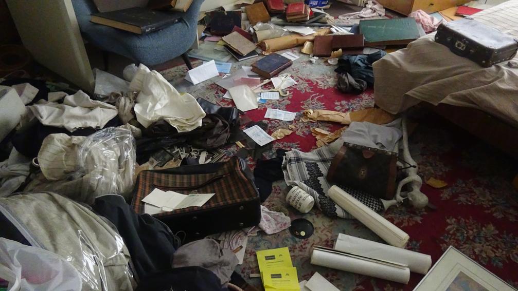 """Haben die """"Diebe"""" im Haus des Forouhars nach etwas Bestimmtem gesucht? Foto: Parastou Forouhar"""
