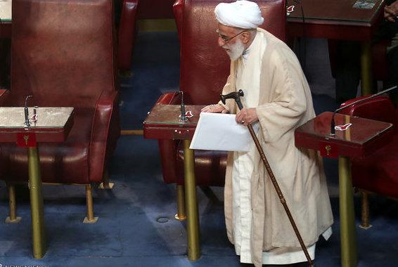 Der 89jährige Ayatollah Ahmad Jannati wurde zum Vorsitzenden des Expertenrates gewählt, obwohl er in seinem Wahlkreis Teheran am wenigsten Stimmen bekommen hatte