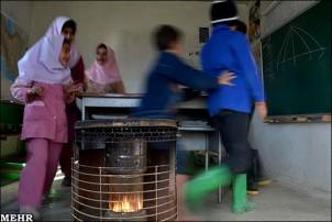 Nicht selten gehen die Ölöfen in den Schulen in Flammen auf