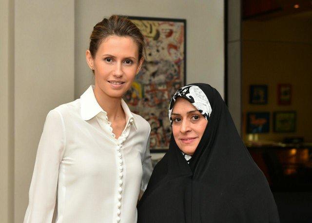 Katayun Raouf Sheybani (re.) und Asma Assad - ein Bild, das die Radikalen im Iran am liebsten vergessen möchten.