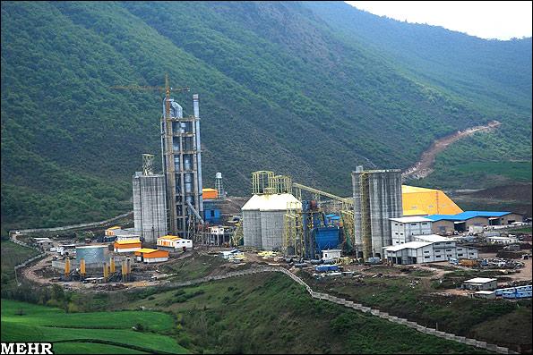 Eine Zementfabrik mitten im Nationalpark Golestan, im Nordosten des Iran