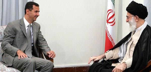 Assad und sein wichtigster Unterstützer, Irans Staatsoberhaupt Ayatollah Ali Khamenei (re)