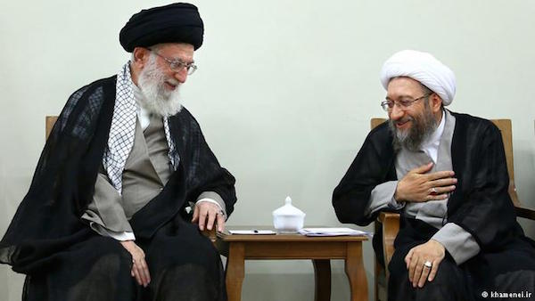 Enge Freunde: Staatsoberhaupt Ali Khamenei und Justizchef Sadegh Larijani