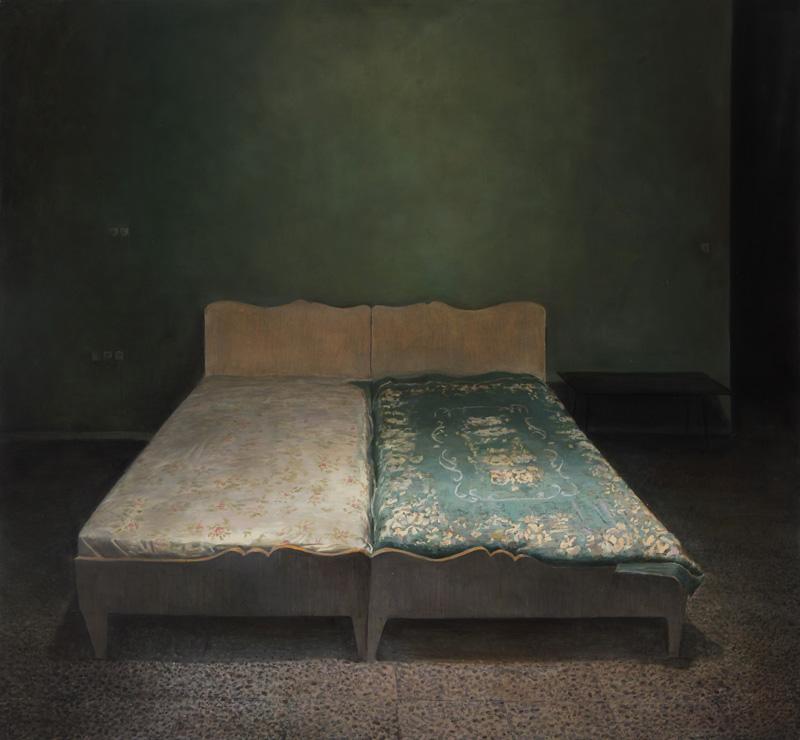 Oil on canvas, 130 x 120 cm, 2011 Iman Afsarian, 1974 in Teheran geboren, führt mit seiner Malerei eine der interessantesten Auseinandersetzungen mit der iranischen Kunst. Sein fotorealistischer Ansatz erzählt sich aus einem Denken her, das das Bild innerhalb des Selbstverständlichen des Gesichtsfeldes behält. Das Malerische tritt nicht auf, um das Abgebildete durch die Malerei auf das Gebiet des Künstlichen zu entführen oder einer Entfremdung zu unterwerfen, die der Darstellungstechnik geschuldet ist.
