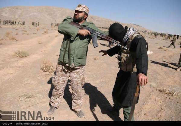 Üben für den Ernstfall: Irans Revolutionsgardisten bereiten sich in Isfahan auf den Kampf gegen den IS im Irak vor