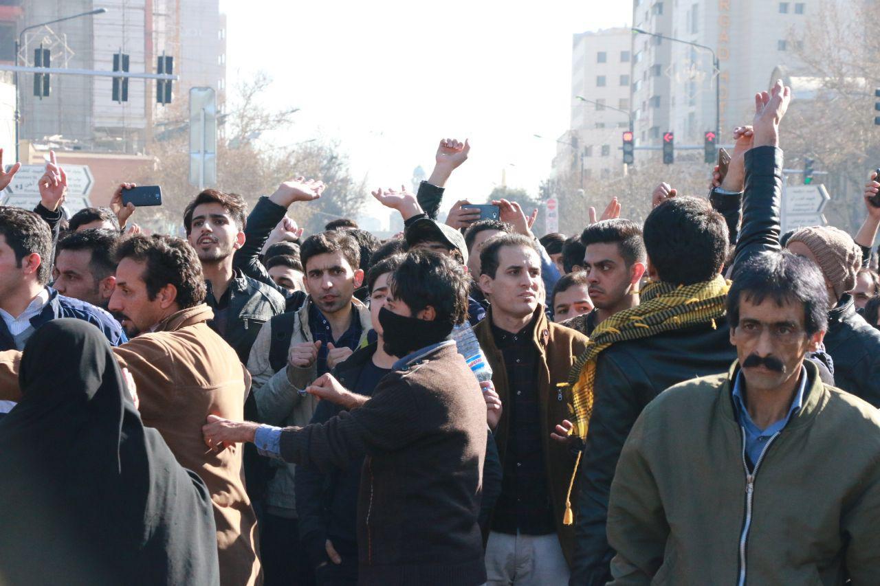 Bei den Protesten im Januar 2018 in mehr als 100 iranischen Städten wurden Parolen gegen beide Flügel des Systems gerufen!
