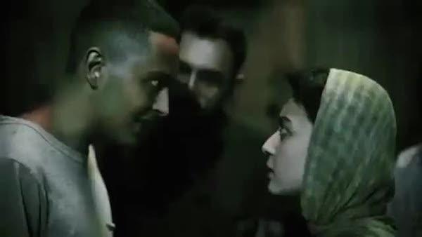 """Szenenfoto aus dem Film """"Dressage"""" mit Negar Moghaddam (re.) und Yasna Mirtahmasb"""