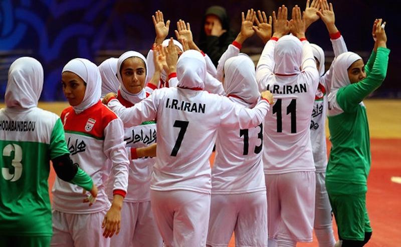Das iranische Futsal-Nationalteam der Frauen verteidigte in Thailand seinen Asienmeisterinnen-Titel. Im Endspiel besiegten die Iranerinnen das japanische Team mit 5:2. Zuvor hatten sie sich gegen China, Turkmenistan, Usbekistan und Vietnam durchgesetzt.