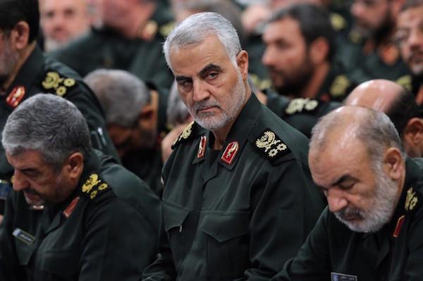 Die Köpfe der Revolutionsgarde M. Ali Jafari (li.) und Ghasem Soleimani (mitte)