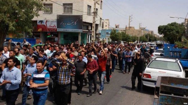 Seit Anfang August nehmen die Proteste gegen die Wirtschaftsmisere und das Regime in unterschiedlichen iranischen Städten zu