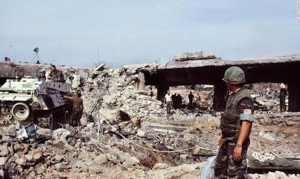 Beim Attentat auf die Militärbasis der amerikanischen Marine im Libanon am 23. Oktober 1983 wurden 241 amerikanische und 58 französische Soldaten sowie sechs Zivilisten getötet