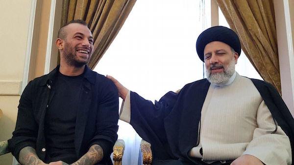 Der erzkonservative Politiker und Herausforderer des Präsidenten Rouhani, Ebrahim Raisi (re.), nutzte bei den Präsidentschaftswahlen 2017 ein Treffen mit dem Rapper Tataloo als Wahlpropaganda!