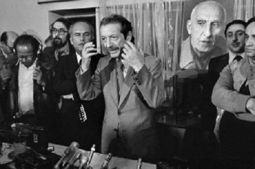 Shapour Bakhtiar (mitte), der letzte Ministerpräsident des Iran vor der Revolution - wurde in Suresnes bei Paris bestialisch ermordet