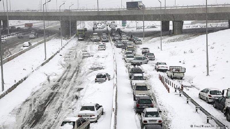 Anfang März wurden einige Gebirgsregionen im Iran vom Schnee überrascht - besonders im Westen, Nordwesten und in den Hängen des Alburs, Nahe der Hauptstadt Teheran.