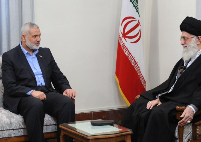 Gute Freunde: Ayatollah Ali Khamenei (re.), Irans Staatsoberhaupt und Ismail Haniyya, Führer der palästinensischen Hamas