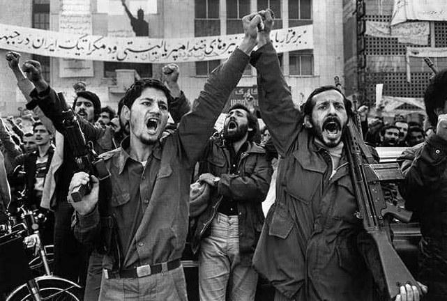 Ein Teil der Linken, besonders die moskautreue Tudeh-Partei, hat Khomeini beim Aufstieg zum absoluten Herrscher geholfen - Foto: Linke Revolutionäre Kurz nach dem Sieg der Revolution von 1979