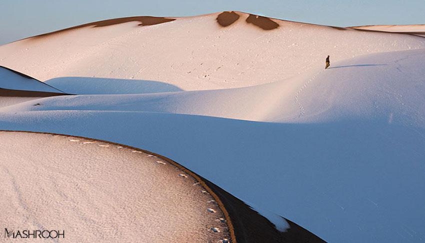 Die Maranjab-Wüste, ein Teil der Dasht-e Kavir in der Provinz Isfahan, ist eine der schönsten Wüstenregionen des Iran. Die Sanddünen entlang der Seidenstraße erreichen eine Höhe von 70 Metern. Die Salzwüste bietet viele Attraktionen, unter anderem die Sargardan-Insel - s. nächstes Foto.