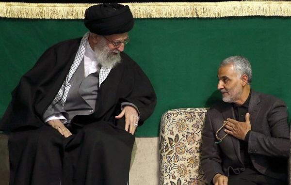 Qasami Soleimani (re.) war ein gern angesehener Dauergast beim Staatsoberhaupt Ali Khamenei