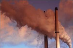 Neben Erdöl- und Chemieindustrie sorgen veraltete Autos und Motorräder sowie ein Kohlekraftwerk in der nahen Umgebung für Schadstoffemission in Ahwaz