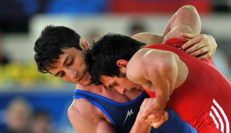 Der Iran eroberte erstmalig die Spitzenposition in der Ringer-Weltmeisterschaft für Männer. Die Iraner gewannen in diesem Turnier, das vom 12. bis 14. September in der usbekischen Hauptstadt Taschkent stattfand, insgesamt 4 Medaillen. Hamid Sourian erkämpfte sich eine Goldmedaille in der Gewichtsklasse (GK) 59 Kilogramm, Omid Nouroozi eine Silber in der GK 66 Kilogramm, Afshin Biabangard (GK 71 Kilogramm) und Ghasem Rezai (GK 98 Kilogramm) je eine Bronze. Die Ringer-WM der Männer gibt es seit 1904. Der Iran nahm zum ersten Mal 1961 daran teil. Iranische Ringer hatten bei der WM von 2009 den zweiten Platz belegt.