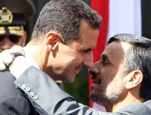 Der iranische Präsident Mahmoud Ahmadinedschad und sein syrischer Amtskollege und Freund Bashar Al-Assad. Foto: khodnevis.org.