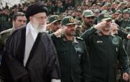 Ali Khamenei im Kreis der Kommandeure der Revolutionsgarde