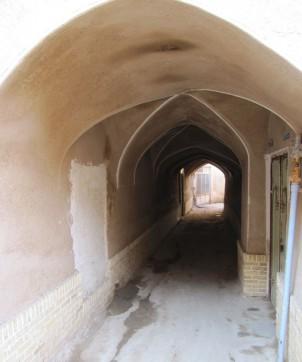 """Der historische Gewölbegang """"Gozar-e Tabrizi ha"""" in der iranischen Stadt Kashan war 21 Meter lang und wurde während der Kadscharen-Dynastie (1779–1925) erbaut. Foto: www.keyashiyan.com"""