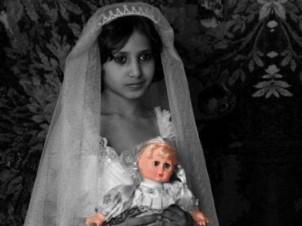 Irans Gesetzte erlauben sexuelle Beziehungen erwachsener Männer mit kleinen Mädchen - Foto: linkadeh.com