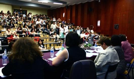 Iranische Frauenaktivistinnen in der ganzen Welt unterstützen seit 2009 die Frauenbewegung innerhalb des Iran stärker als je zuvor