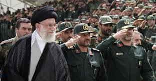 Das Staatsoberhaupt Ayatollah Khamenei ist zugleich der Oberbefehlshaber der Streitkräfte