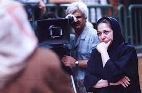 "Die Regisseurin Rakhshan Bani-E'temads bei den Dreharbeiten des Filmes ""Ghesse-ha"""