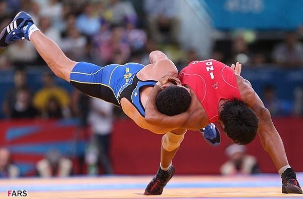 Die iranische Mannschaft hat bei den 44. Weltmeisterschaften im Freistil-Ringen in Budapest den ersten Platz erobert. Sie konnte sich mit zweimal Gold, einmal Silber und zweimal Bronze gegen die russische (zweiter Platz) und die georgische Mannschaft (dritter Platz) behaupten. Iranische Ringer hatten zuletzt 2002 im Freistil-Ringen den Weltmeistertitel geholt.