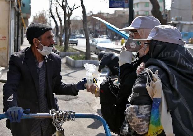 Straßenverkäufer in Teheran