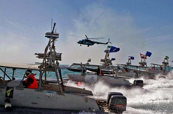 Provokationen im Persischen Golf: US-Flugzeugträger und die Schnellboote der iranischen Revolutionsgarde
