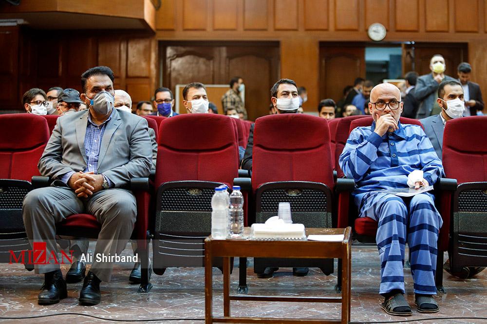 Einflussreiche Justizbeamte wegen Korruption vor Gericht Akbar Tabari (links) und Bijhan Ghassemzadeh