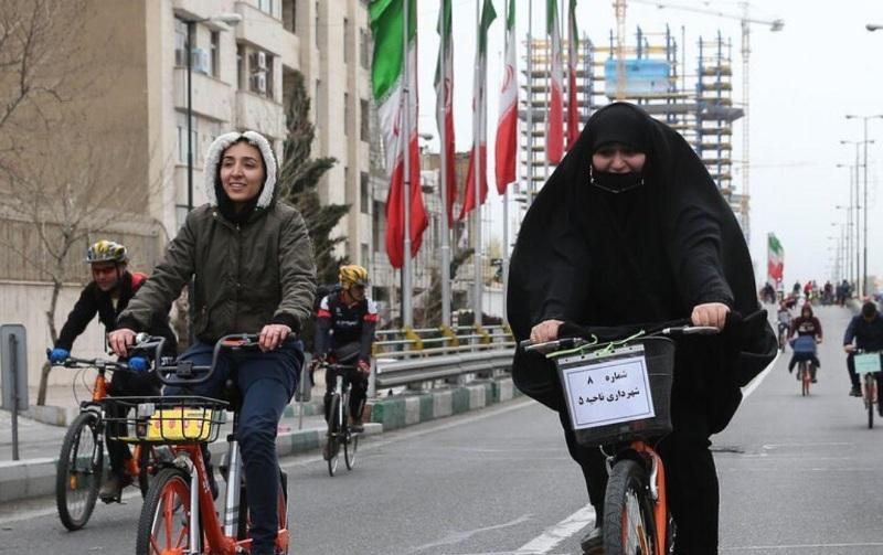 Fahrradverbot für Frauen in Razavi-Chorasan, Iran, Maschhad, Alamolhoda, Khamenei