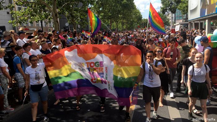 Mitglieder von 6Rang auf der Berliner  Pride-Parade 2019