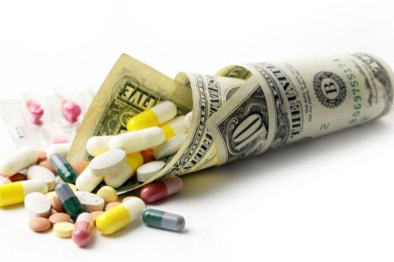 Dringend benötigte Medikamente bekommt man im Iran auf dem illegalen Markt, in vielen Fällen nur gegen harte Währung!